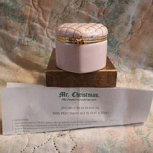 Mr. Christmas Music Box - Heart